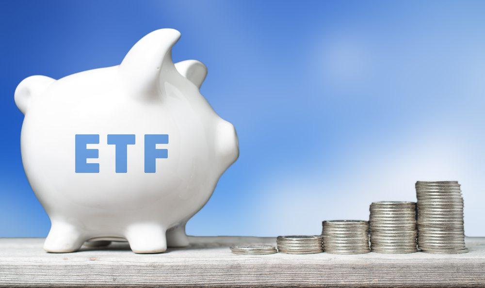 Bitcoin, ETF, SEC, dollar,