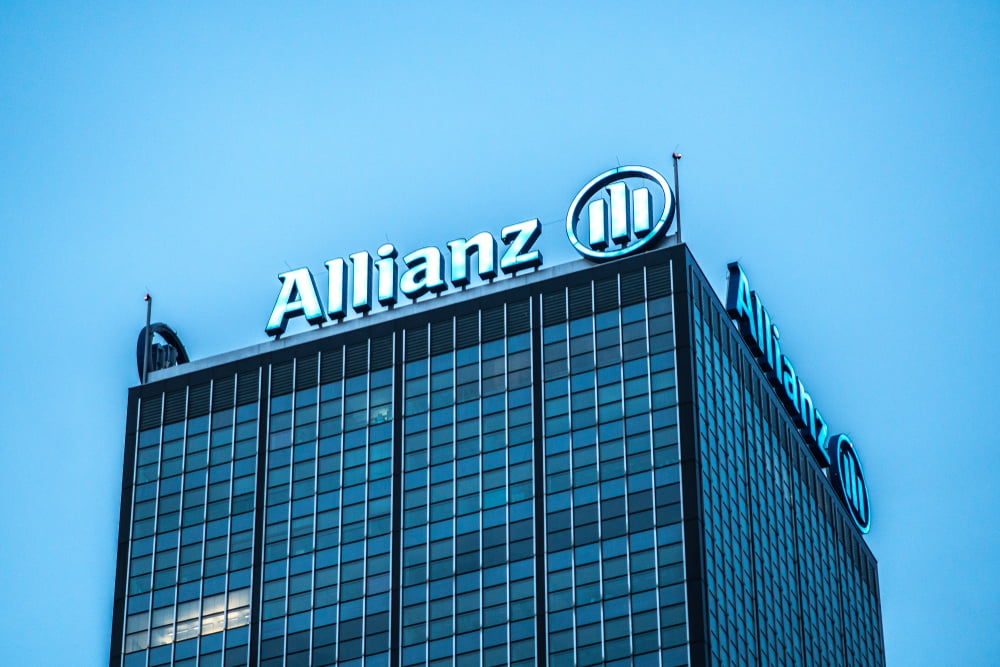 "Allianz GI CEO Kicks Bitcoin While it's Down, Wants Crypto ""Outlawed"""