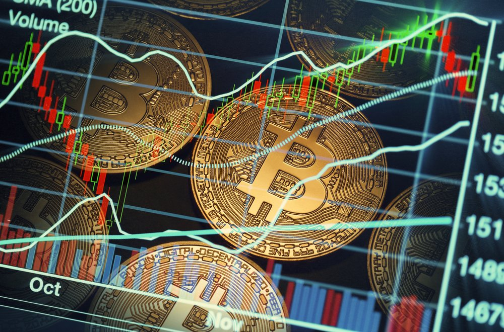 Crypto Analyst Expects Strong Bitcoin Bounce, Monthly MACD Signals Bottom