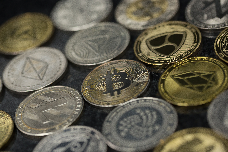 alt bitcoin trader