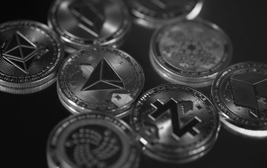 Bitcoin and Altcoin Rates are Falling, XRP is Growing