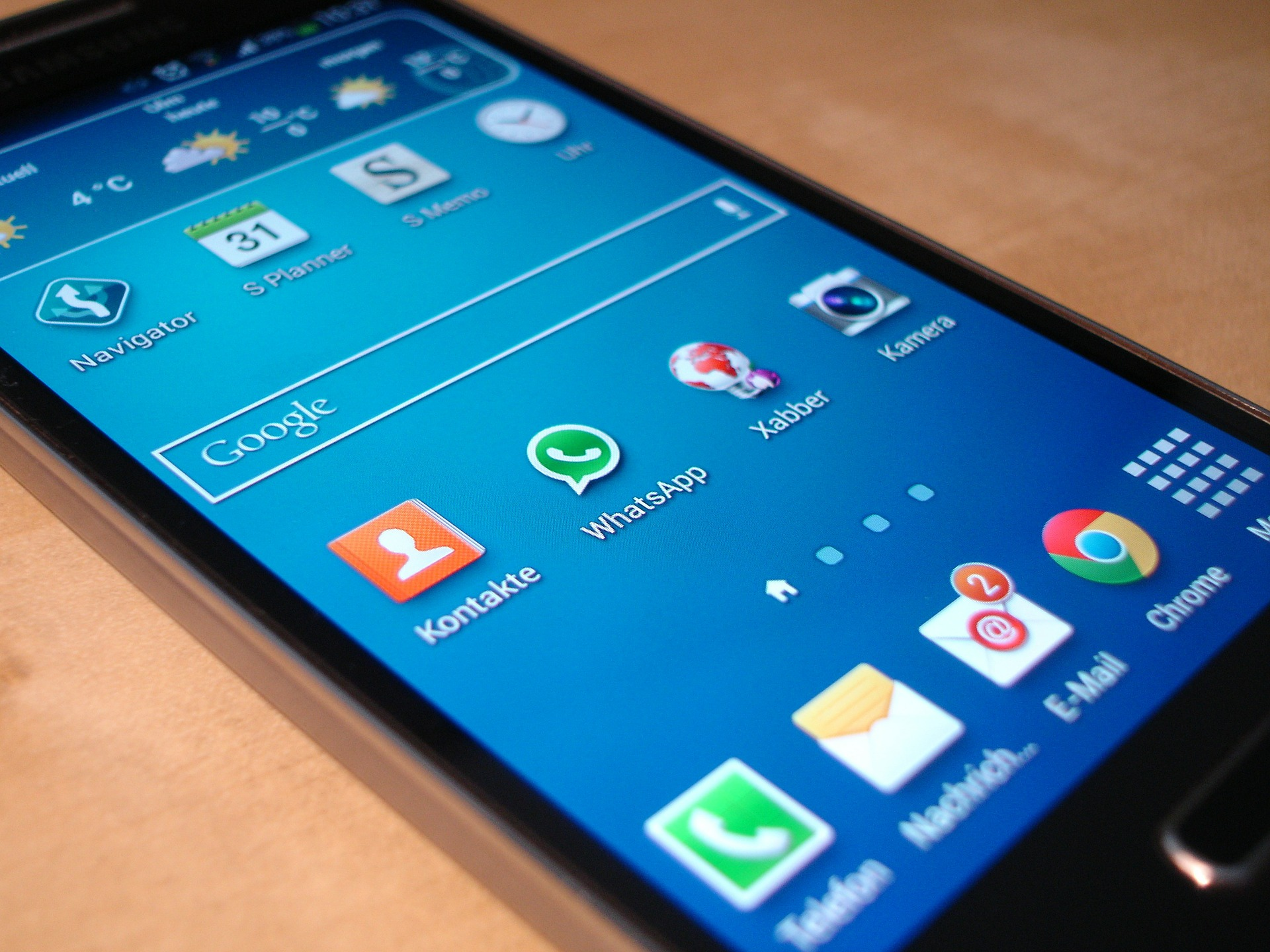 Samsung doubles down on mobile support.