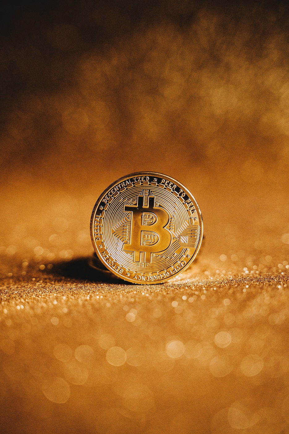 """Analyst: Bitcoin Approaches """"Critical Intersection Of Macro Support"""""""